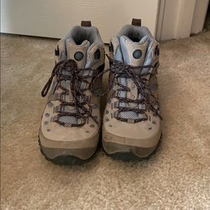 Merrell hiking boots size 7